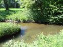 Králický potok posiluje Tichou Orlici zprava na území města Králíky.