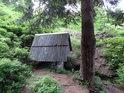 Pramen Tiché Orlice se nachází v Čechách, ovšem nedaleko zemské hranice s Moravou na území zvaném Hanušovická vrchovina.